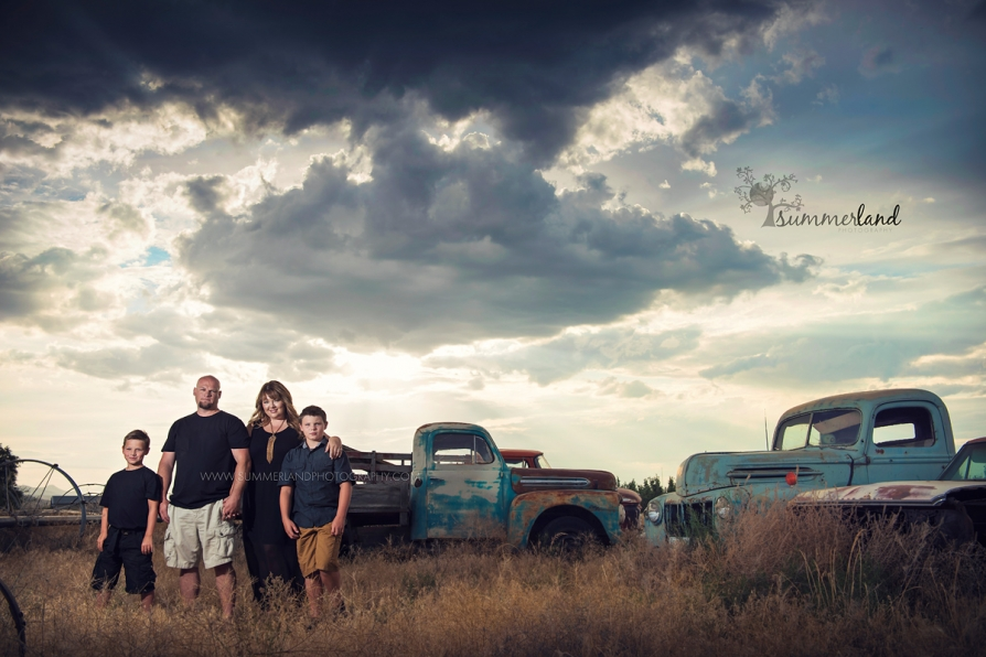 Cool Family Photographs done in Tri-Cities, WA