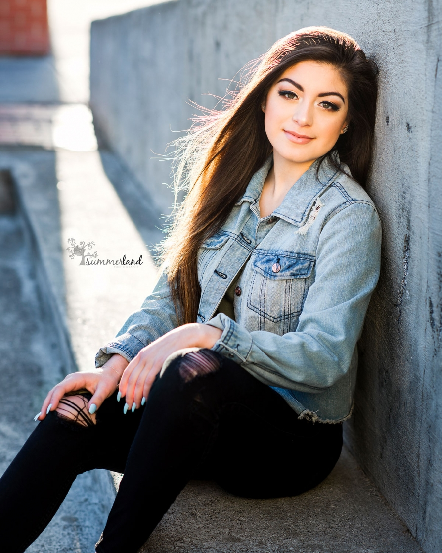 Outdoor Urban photographer of Seniors Moses Lake, WA